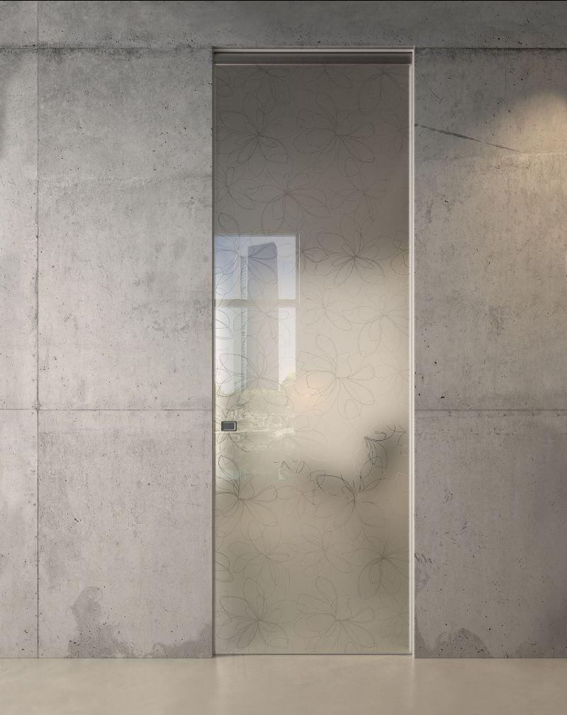 Porta in vetro Garofoli decorata